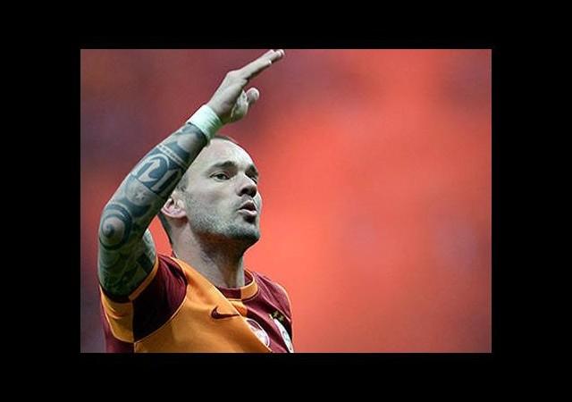 Sneijder'den taraftara mesaj!