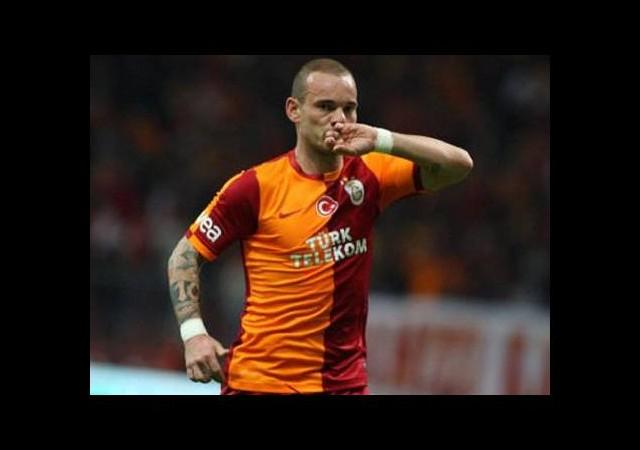Sneijder'den ayrılık sinyali!