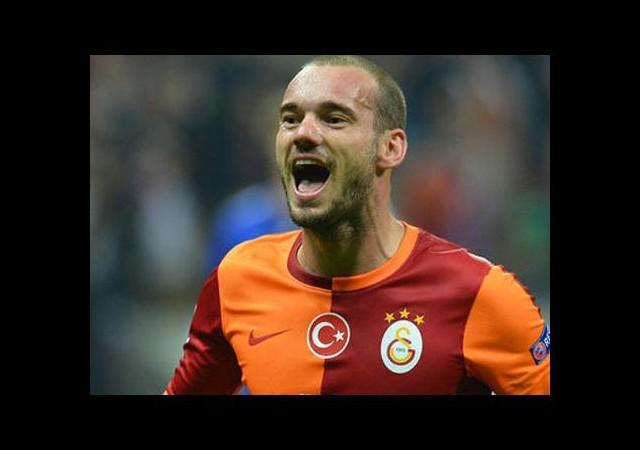 Sneijder Kendini 6'ya Katladı