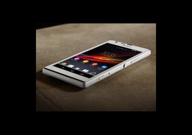 Göz Kamaştıran Akıllı Telefon: Xperia SP