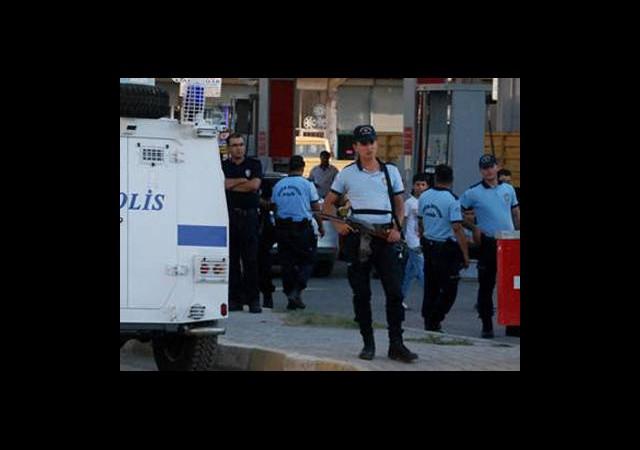 İzmir'de 'Sosyal Medya' Operasyonu