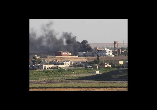 Suriye'de Camiye Saldırı: 25 Ölü