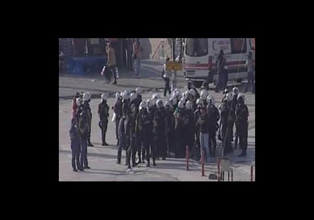 Polis Taksim'den Çekildi!