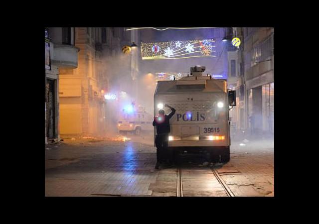 Taksim'de Ahmet Atakan Eylemi