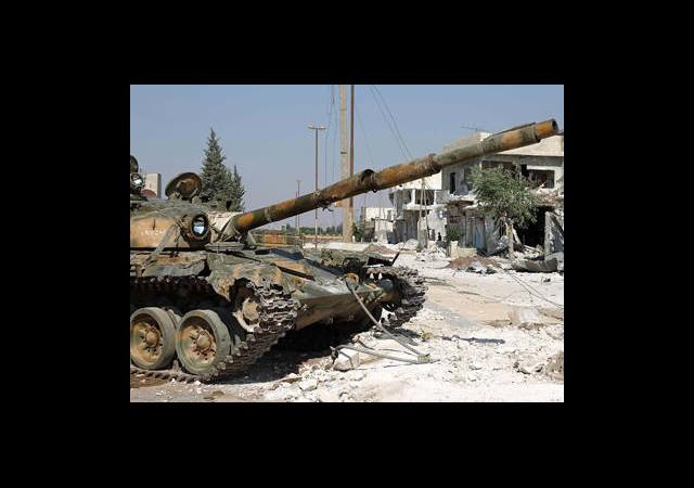Esad'ın Tankları Saldırıya Başladı