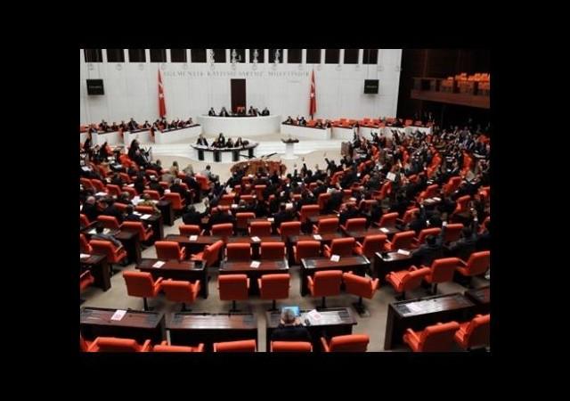'Demokratikleşme Paketi' nin birinci bölümü kabul edildi