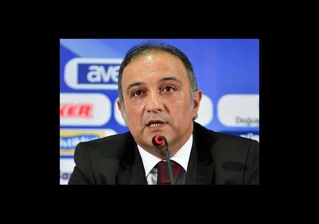 Fenerbahçeli Yönetici UEFA'ya Ateş Püskürdü