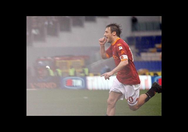 Totti Gölge Düşürdü
