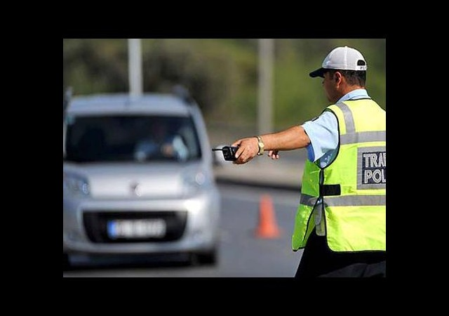 Herkes Trafik Polisi Olabiliecek