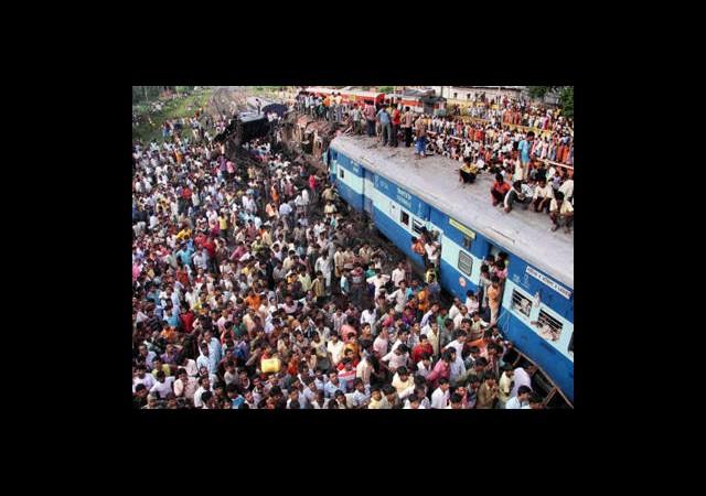 Tren İstasyonunda İzdiham: 36 Ölü
