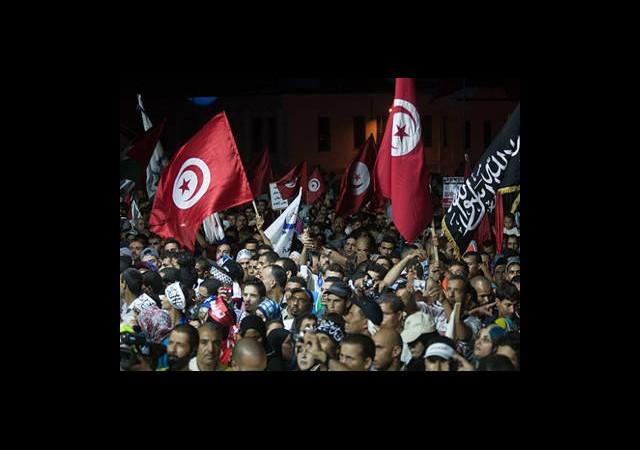 Tunus Halkı Demokrasi İçin Meydanda