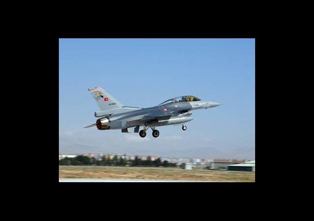 F-16'lar Tespit Etti Topçular Vurdu!