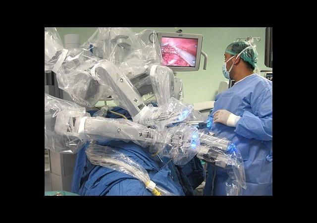 Robotik Cerrahi ile İlk Böbrek Nakli