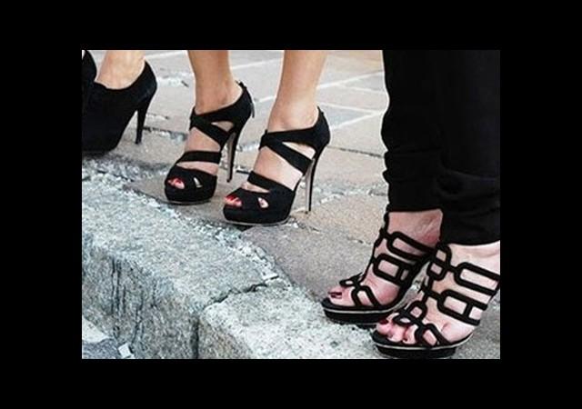 Bu Ayakkabılar Kanser Yapıyor!