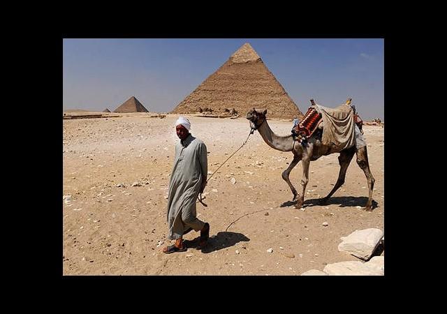 Mısır'daki Olaylardan Giza Piramitleri de Nasibini Aldı