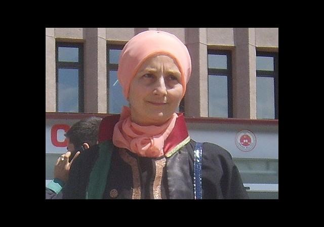 Kamalak Başörtülü Girince Duruşma Yeniden Ertelendi