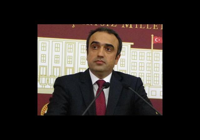 AKP Diyarbakır Vekilinden Üç Dilde Bayram Mesajı Attı