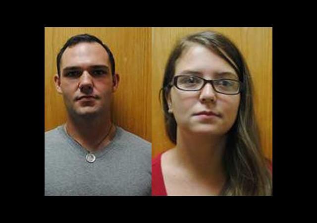 Köpekleriyle Cinsel İlişkiye Giren Çift Tutuklandı