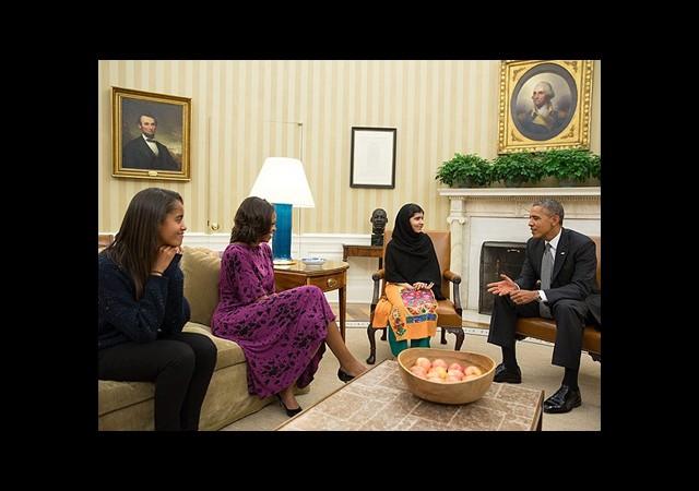 Obama ve Eşi Pakistanlı Malala'yı Kabul Etti