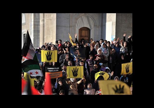Fatih'te 'Mısır Halkına Destek' Eylemi