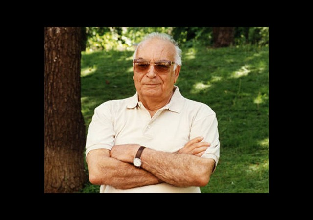 Yaşar Kemal'e Ermenistan'dan Nişan