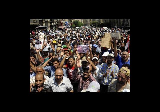 Mursi'nin Sekreterine Hapis Cezası