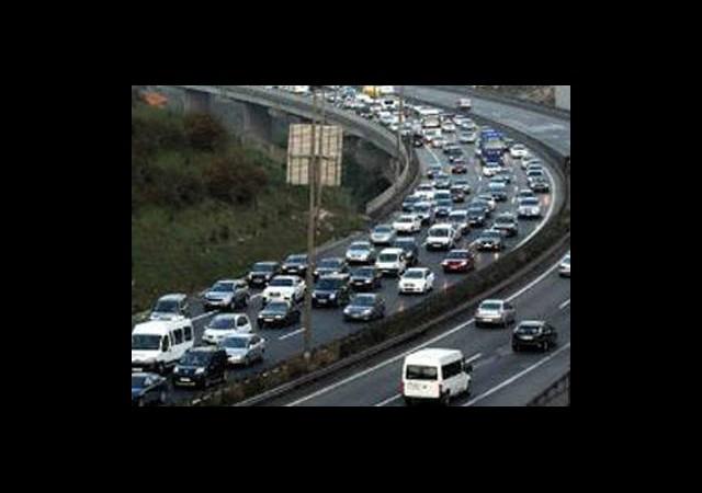 Trafikte Bayram Dönüşü Alarmı!