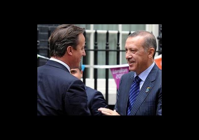 Erdoğan'dan İngiltere'ye Mısır Telefonu