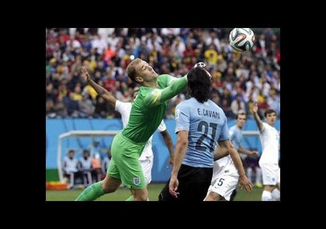 Uruguay 3 puanla tanıştı! (Uruguay - İngiltere maçının özeti)