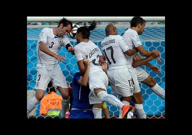 Kaptan Uruguay'ı uçurdu!