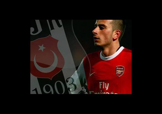 Van Persie'den Beşiktaş'a Kıyak