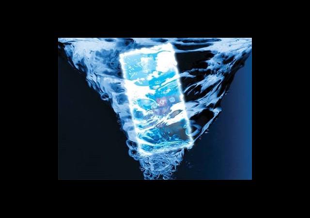 Suya Dayanıklı Windows Phone 8 Telefonu