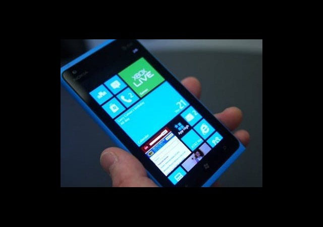 Windows Phone 8 Flash Bellekleri Tanıyacak