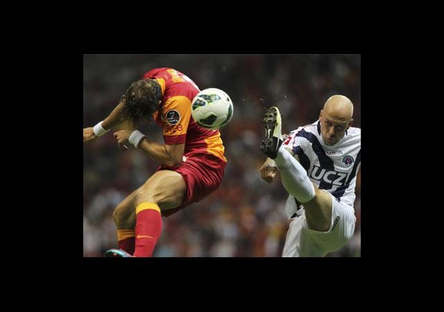 Galatasaray 7 Yabancıyla Oynadı