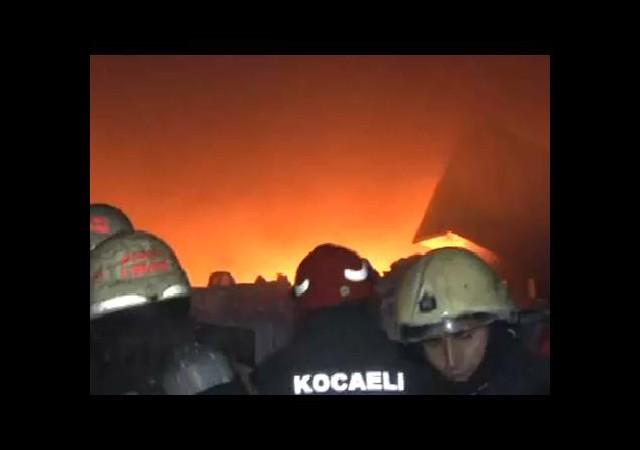 Gebze Organize Sanayi Sitesi'nde Yangın