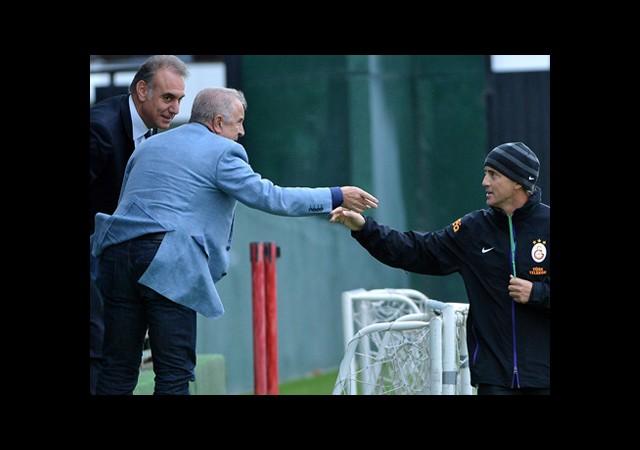 Yönetimden Mancini'ye Destek