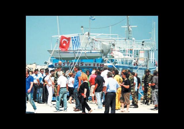 Asıl Bayramı Yunan Adalarındaki Esnaf Yaptı