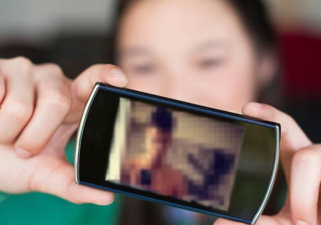 'Çıplak selfie'ye 250 bin TL tazminat istedi