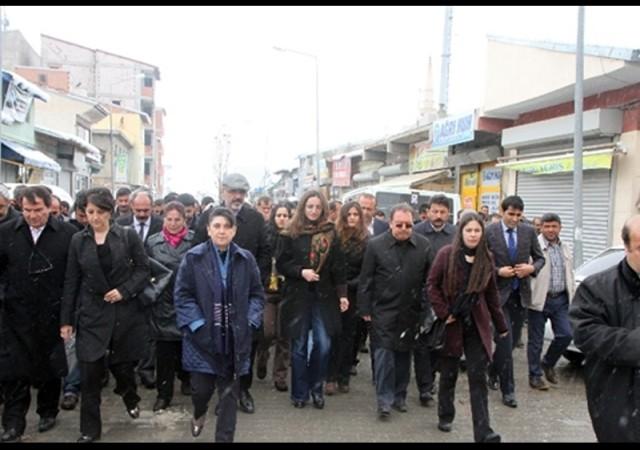 HDP heyeti çatışma bölgesinde