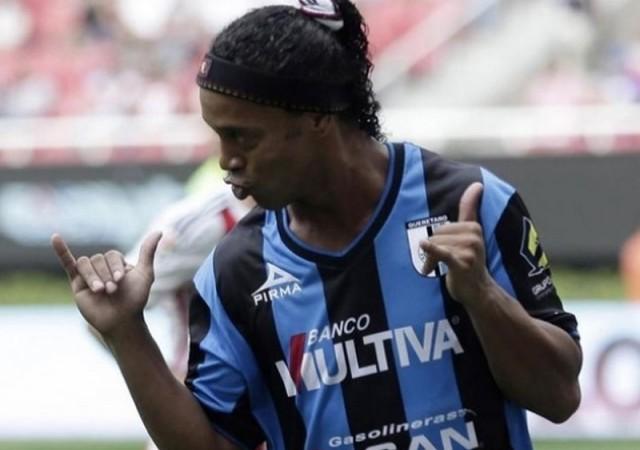 Bir yıldız daha kayıyor! Ronaldinho...