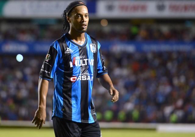 Ronaldinho'dan iddialara cevap!