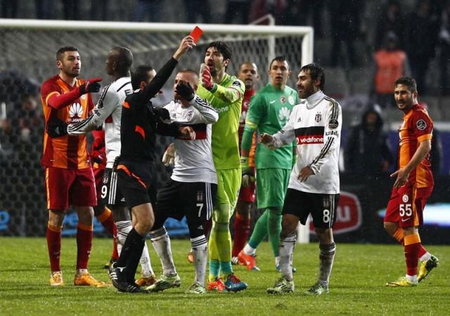 Galatasaray derbi kralı, Beşiktaş derbi fakiri...