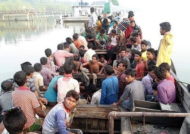 Myanmar'da 727 göçmeni taşıyan tekne bulundu