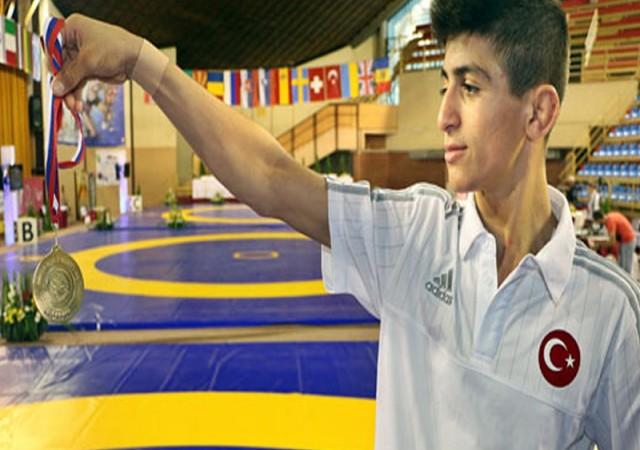 Kerem Kamal, Avrupa şampiyonu