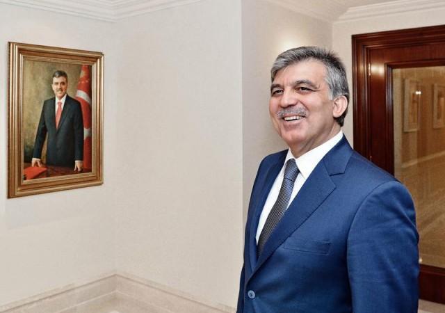 Gül'den AK Parti'ye kutlama mesajı