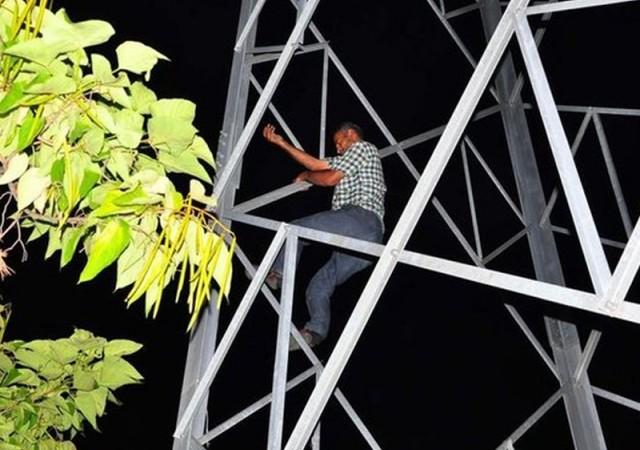 Elektrik direğinde intihar girişimi