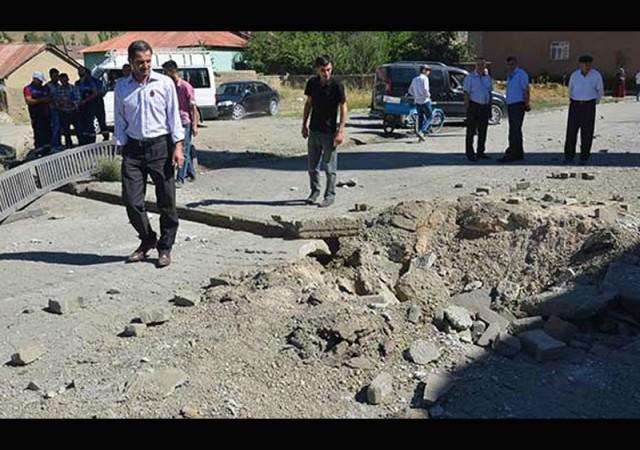Polise bomba saldırı