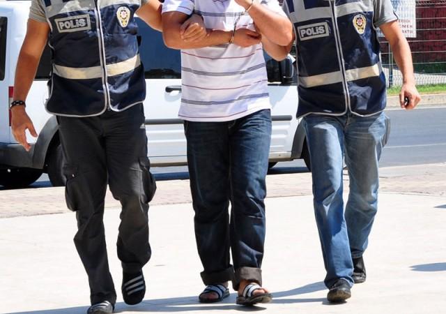2 belediye başkanı tutuklandı