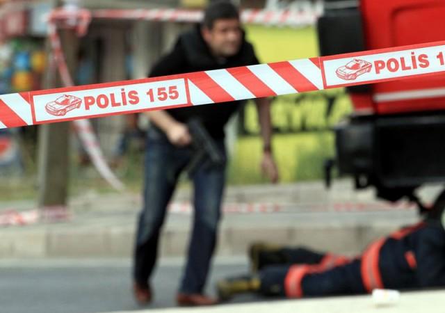 Polis 5 kişiyi ayaklarından vurup yakaladı