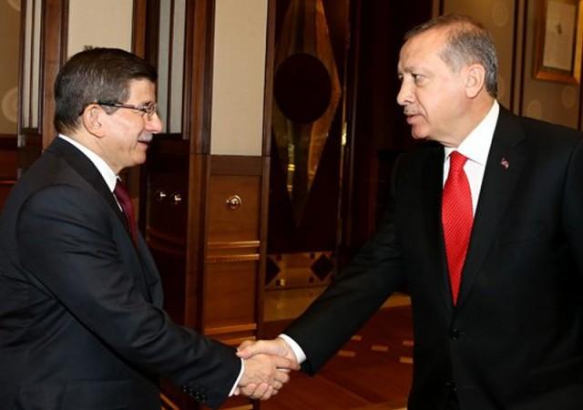 Erdoğan ile Davutoğlu görüşüyor